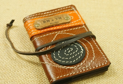 5 business card holders that help make a good impression map leather business card case rntn on etsy colourmoves