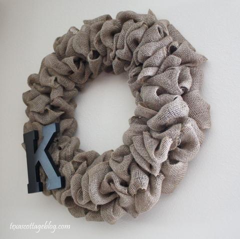 Burlap wreath 083
