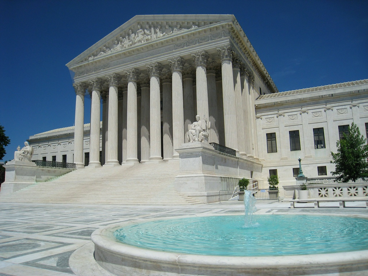 supreme-court-545534_1280