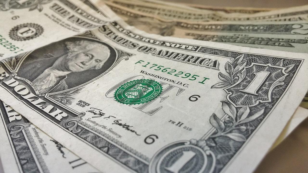 dollars-426026_1280 (1)